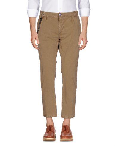 Фото - Повседневные брюки от MODFITTERS цвета хаки