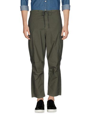 Фото - Повседневные брюки от C.Y.H. CLAP YOUR HAND цвет зеленый-милитари