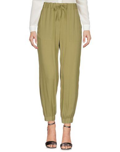 Фото - Повседневные брюки от GOLD CASE цвет зеленый-милитари