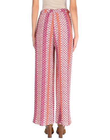 Фото 2 - Повседневные брюки оранжевого цвета