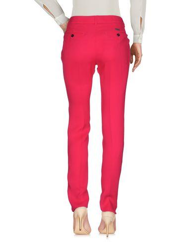 Фото 2 - Повседневные брюки цвета фуксия