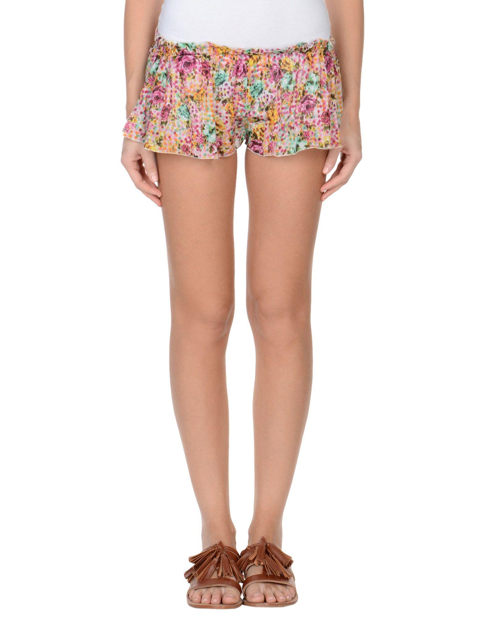 AM | AM Shorts | Goxip