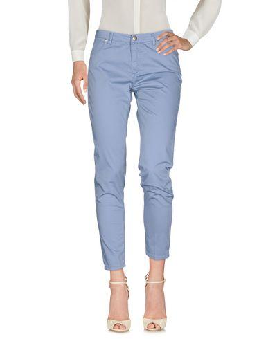 Фото - Повседневные брюки от MICHAEL COAL небесно-голубого цвета