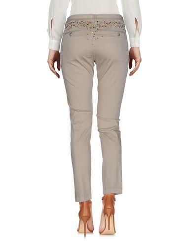 Фото 2 - Повседневные брюки от KUBERA 108 бежевого цвета