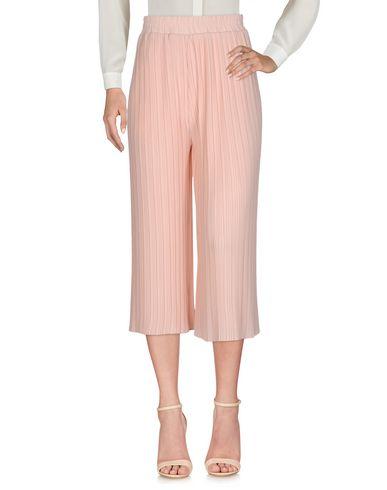 Фото - Повседневные брюки от DARLING London розового цвета