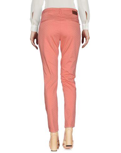 Фото 2 - Повседневные брюки от MICHAEL COAL лососево-розового цвета