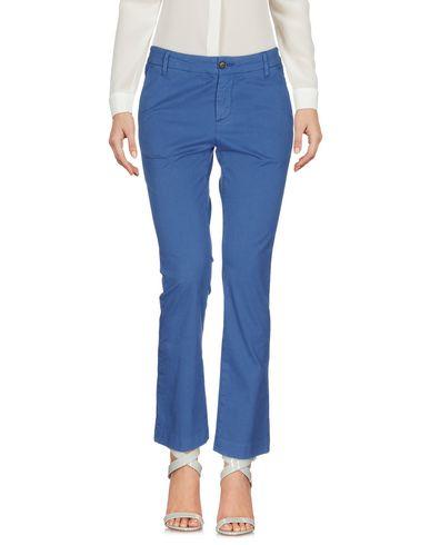 Фото - Повседневные брюки от TRUE NYC. синего цвета