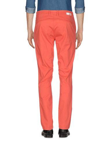 Фото 2 - Повседневные брюки от HAIKURE кораллового цвета