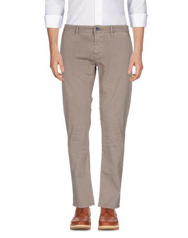 Фото - Повседневные брюки от SIVIGLIA цвета хаки