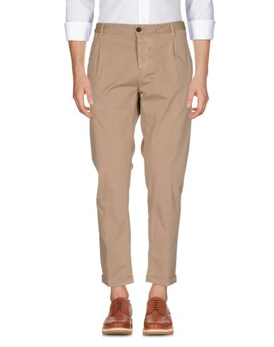 Фото - Повседневные брюки от MYTHS цвет песочный