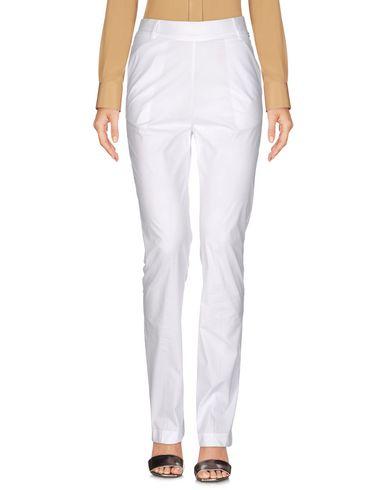 Фото - Повседневные брюки от TWINSET белого цвета