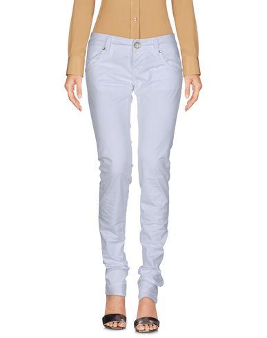 Фото - Повседневные брюки от 2W2M белого цвета