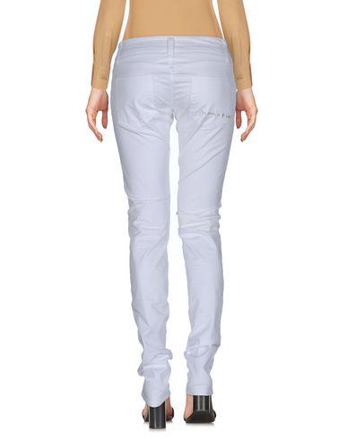 Фото 2 - Повседневные брюки от 2W2M белого цвета