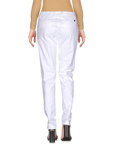 Фото 2 - Повседневные брюки от SHAFT белого цвета