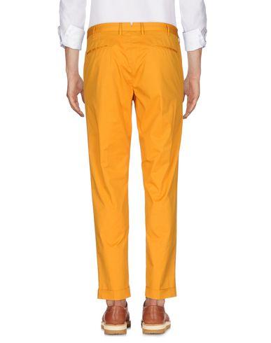 Фото 2 - Повседневные брюки от GTA IL PANTALONE цвет охра