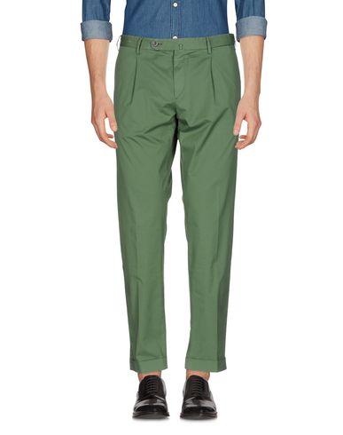 Фото - Повседневные брюки от GTA IL PANTALONE зеленого цвета