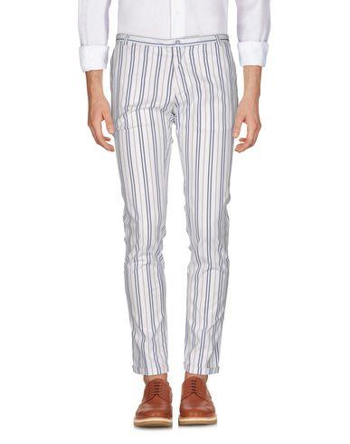 Фото - Повседневные брюки от PAUL MIRANDA белого цвета