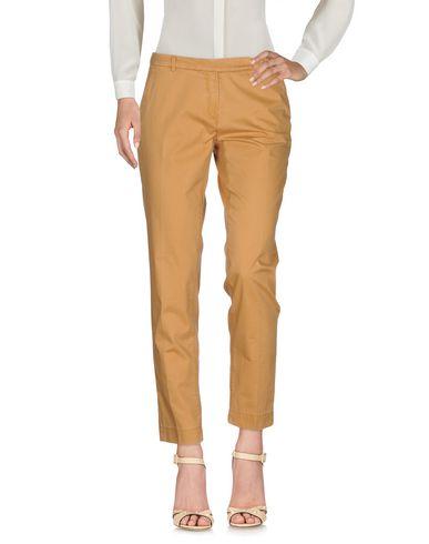 Фото - Повседневные брюки цвет песочный