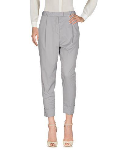 Фото - Повседневные брюки от ELEVENTY светло-серого цвета