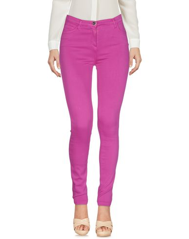 Фото - Повседневные брюки от WHO*S WHO цвета фуксия