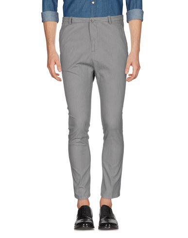 Фото - Повседневные брюки от OBVIOUS BASIC светло-серого цвета