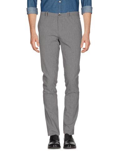 Фото - Повседневные брюки от OBVIOUS BASIC серого цвета