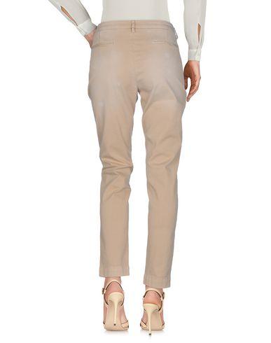 Фото 2 - Повседневные брюки от AGLINI бежевого цвета