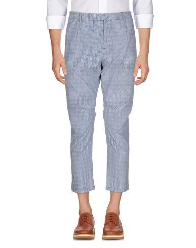 Фото - Повседневные брюки от PAOLO PECORA пастельно-синего цвета