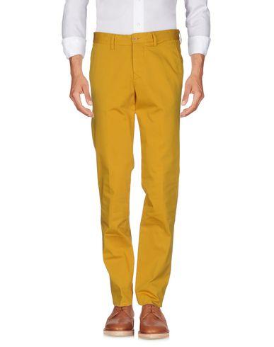 Фото - Повседневные брюки от ASPESI цвет охра