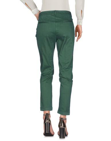Фото 2 - Повседневные брюки от MANILA GRACE DENIM зеленого цвета