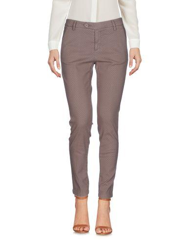Фото - Повседневные брюки от MICHAEL COAL цвета хаки