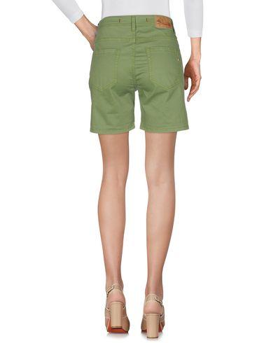 Фото 2 - Женские бермуды  светло-зеленого цвета