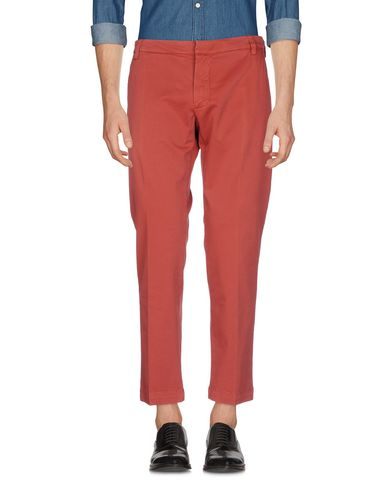 Фото - Повседневные брюки от ENTRE AMIS красного цвета