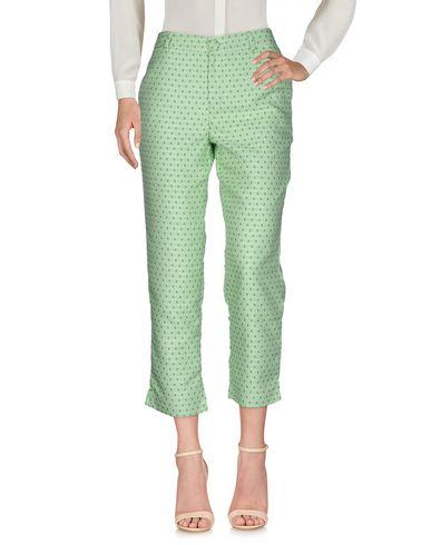 Фото - Повседневные брюки от ANONYME DESIGNERS светло-зеленого цвета