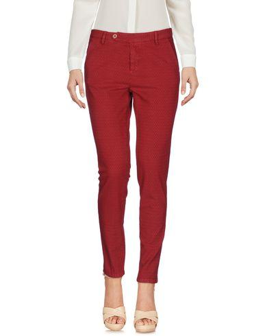 Фото - Повседневные брюки от MICHAEL COAL красного цвета