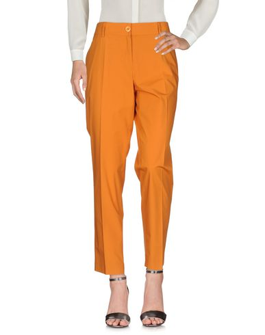 Фото - Повседневные брюки от BLUE LES COPAINS оранжевого цвета