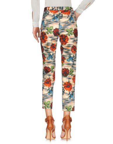 Фото 2 - Повседневные брюки от MALÌPARMI бежевого цвета