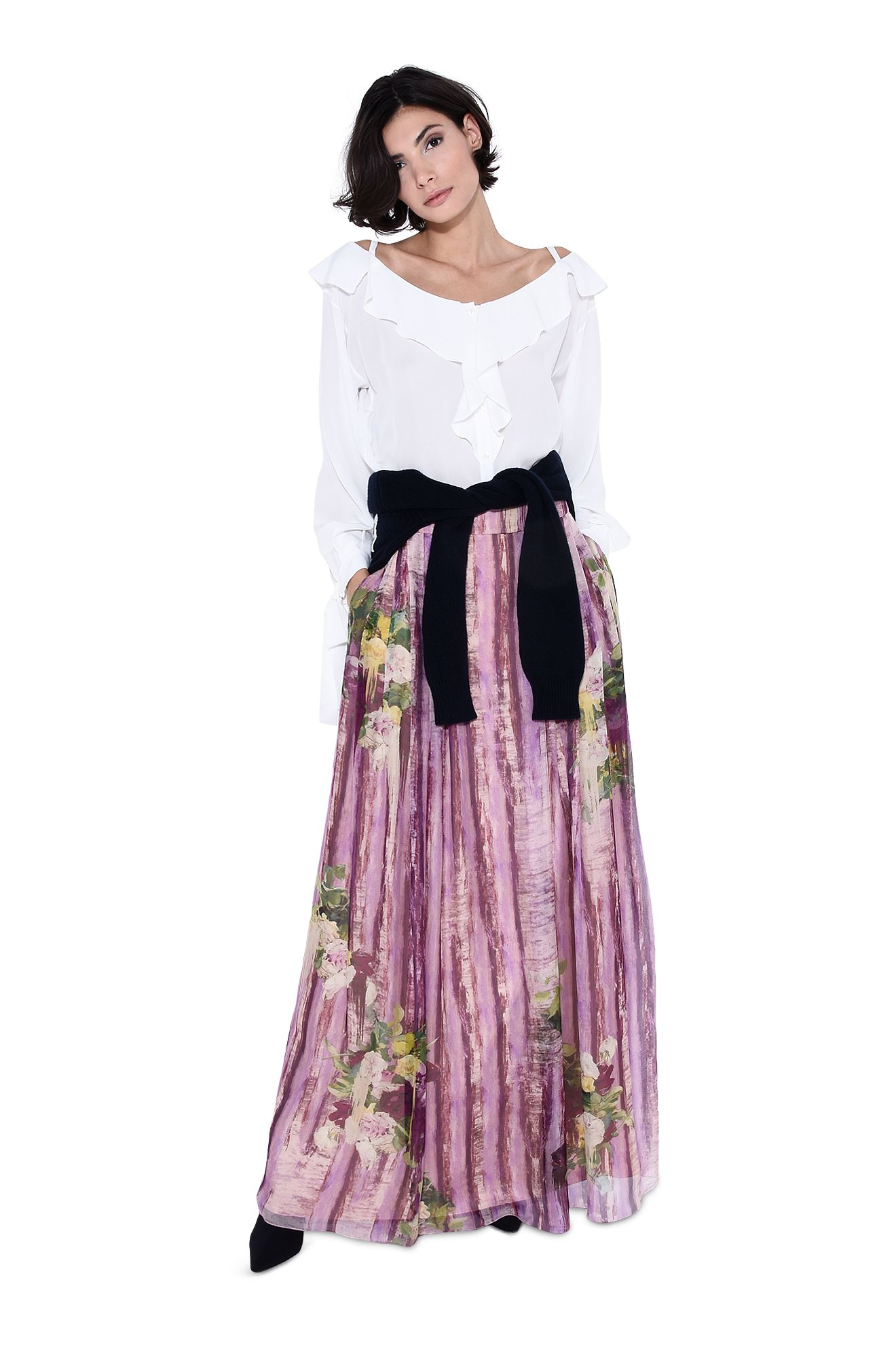 Long skirt with floral motif