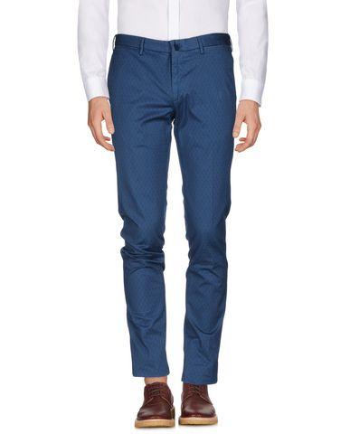 Фото - Повседневные брюки от INCOTEX пастельно-синего цвета