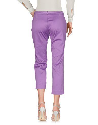 Фото 2 - Брюки-капри светло-фиолетового цвета