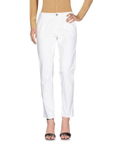 Фото - Повседневные брюки от SUN 68 белого цвета