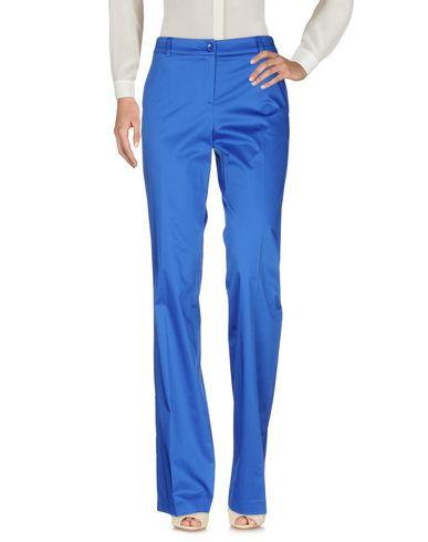 Фото - Повседневные брюки ярко-синего цвета