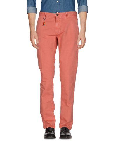 Фото - Повседневные брюки от INCOTEX кораллового цвета