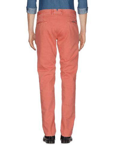 Фото 2 - Повседневные брюки от INCOTEX кораллового цвета