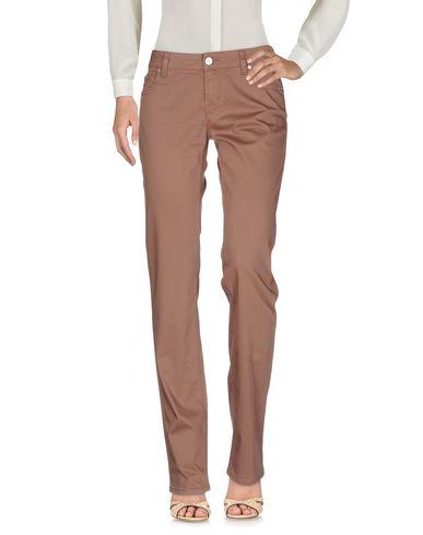 Фото - Повседневные брюки светло-коричневого цвета