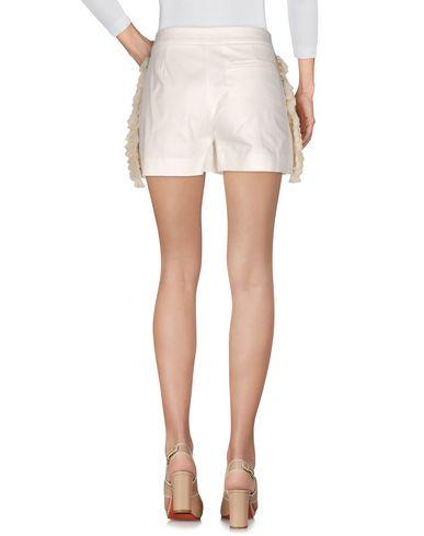 Фото 2 - Повседневные шорты от THE EDITOR белого цвета