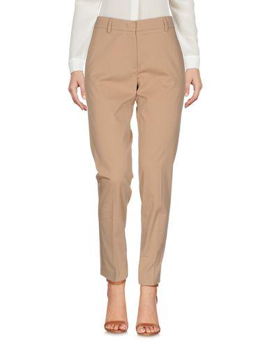 Фото - Повседневные брюки от QL2  QUELLEDUE цвет верблюжий