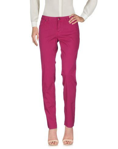 Фото - Повседневные брюки розовато-лилового цвета