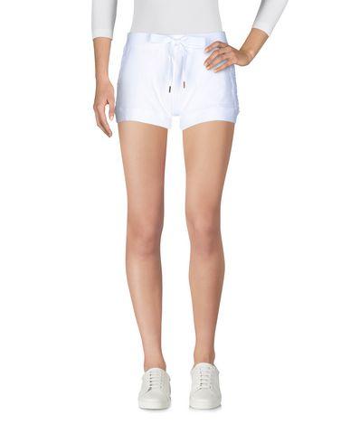 Фото - Повседневные шорты от VDP CLUB белого цвета