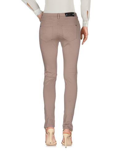 Фото 2 - Повседневные брюки от CLIPS MORE светло-коричневого цвета